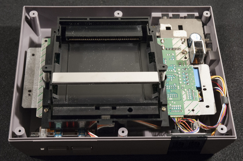 Nintendo Entertainment System (NES) Inside