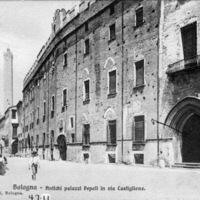 Bologna - Antichi palazzi Pepoli in via Castiglione