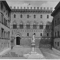 Siena. Piazza Salimbeni col monumento a Sallustio Bandini