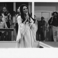 Photograph: Ronee Blakely sings to a crowd as Barbara Jean in Altman's hit Nashville.
