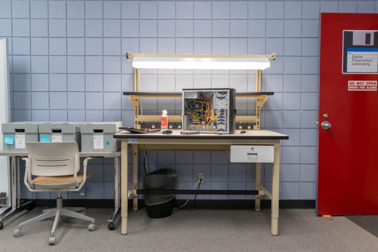 Electrostatic work bench