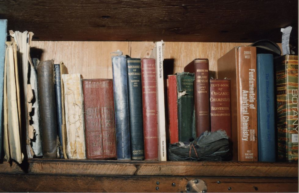 Books found in Kaczynski's cabin on topics such as chemistry, nuclear weapons and botany