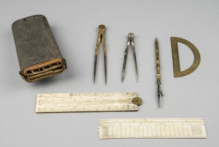 image of set of drawing tools