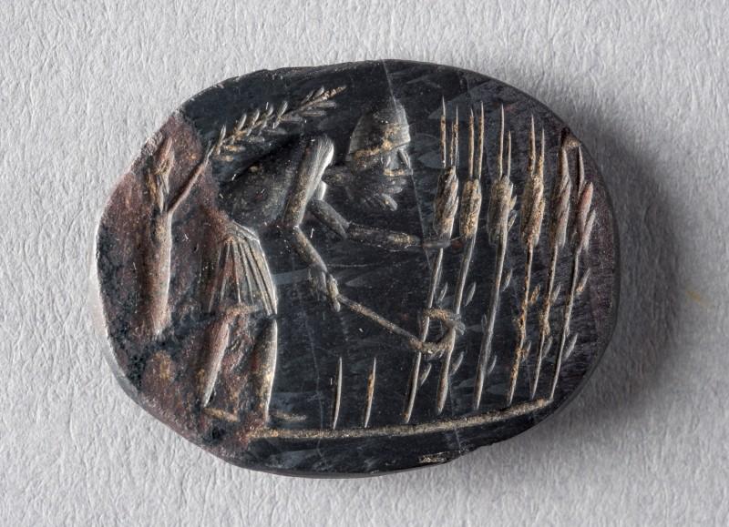 Sciatica Amulet; Egypt; in Greek; 1st-5th century AD; Hematite, black; 18 x 23 x 3 mm; SCL-Bonner 40