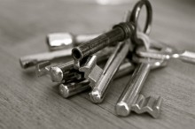 Image of silver skeleton keys on a key ring.