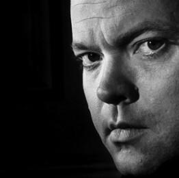Photo of Orson Welles' face as a young man