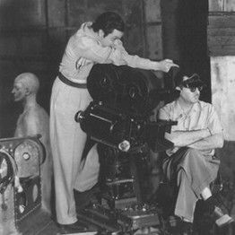 orson welles behind directors camera on set of citizen kane