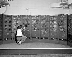 Analog Computer by flickr user sjrankin